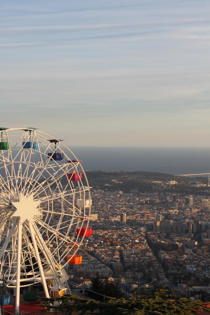 Widok na Barcelonę z Tibidabo